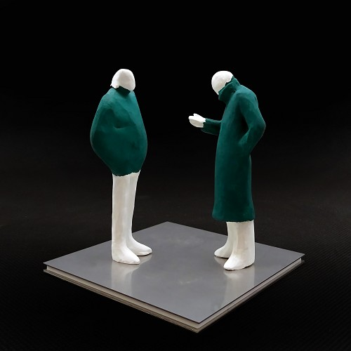 Sculpture for sale by Japanese artist Kazuhiko Tanaka representing two characters having a conversation.